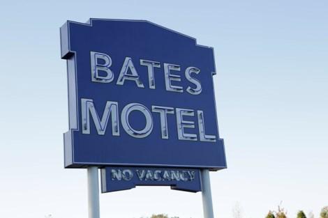 bates motel (470 x 313)