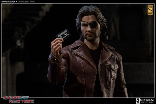escape-from-new-york-snake-plissken-collectible