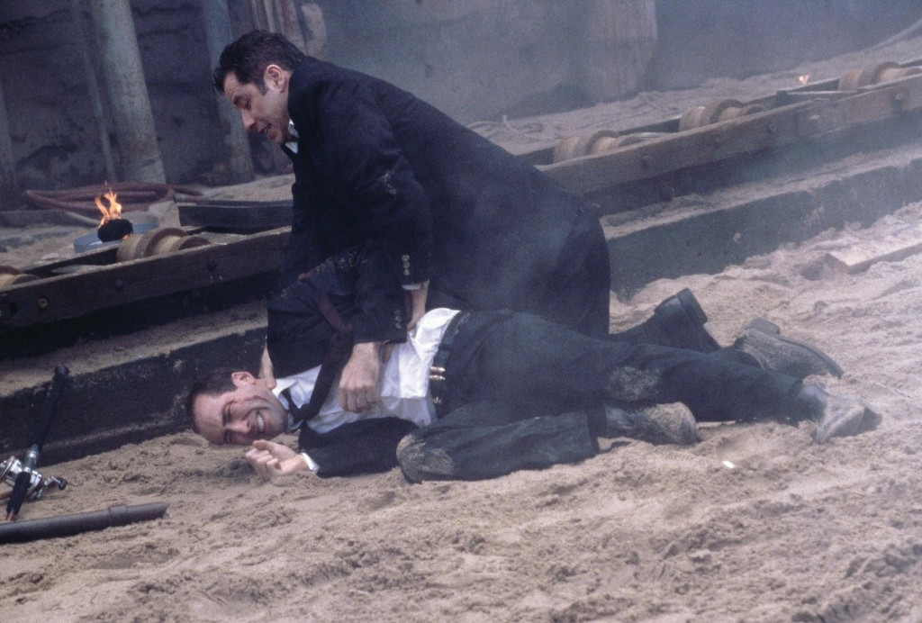 still-of-nicolas-cage-and-john-travolta-in-faceoff-(1997)-large-picture