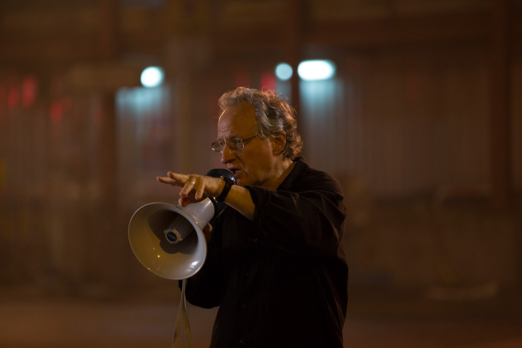 Michael-Mann-directing-Blackhat