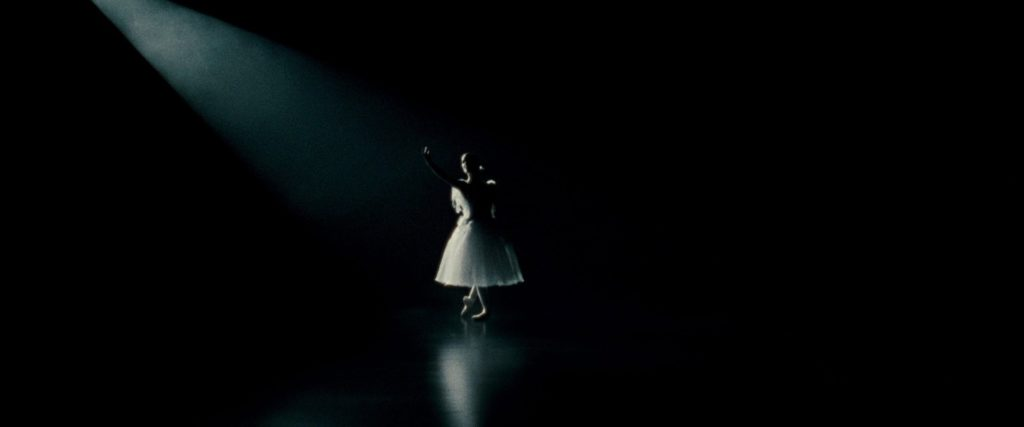 [MOVIE OF THE DAY] BLACK SWAN (2016)