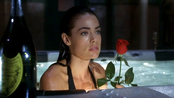 VALENTINE - Denise Richards