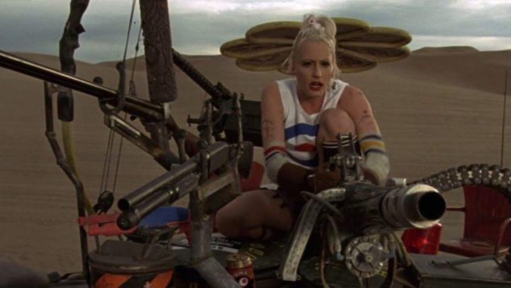 TANK GIRL (1995) Lori Petty as a girl and her tank