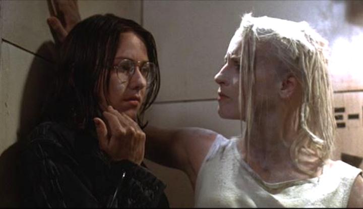 TANK GIRL (1995) Naomi Watts and Lori Petty