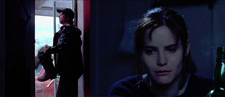 DOLORES CLAIBORNE (1995) David Strathairn and Jennifer Jason Leigh
